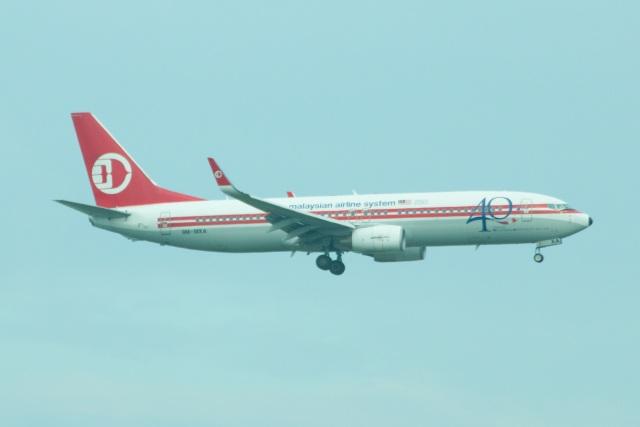 S.Hayashiさんが、シンガポール・チャンギ国際空港で撮影したマレーシア航空 737-8H6の航空フォト(飛行機 写真・画像)