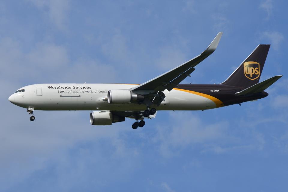 DeepさんのUPS航空 Boeing 767-300 (N354UP) 航空フォト