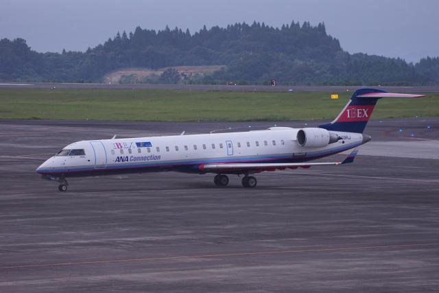神宮寺ももさんが、鹿児島空港で撮影したアイベックスエアラインズ CL-600-2C10(CRJ-702)の航空フォト(飛行機 写真・画像)