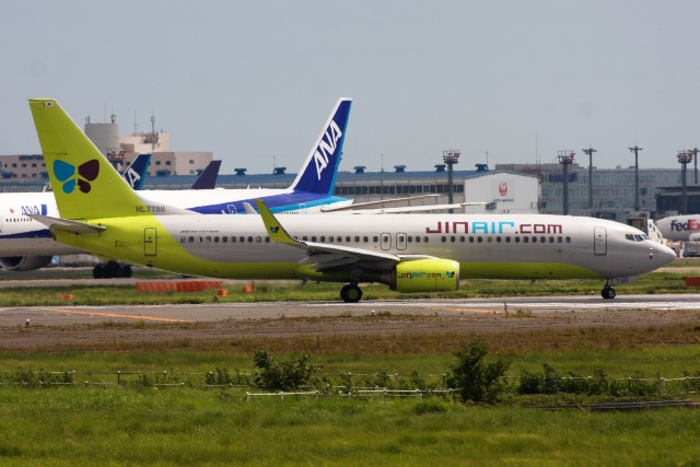 S.Hayashiさんが、成田国際空港で撮影したジンエアー 737-8Q8の航空フォト(飛行機 写真・画像)