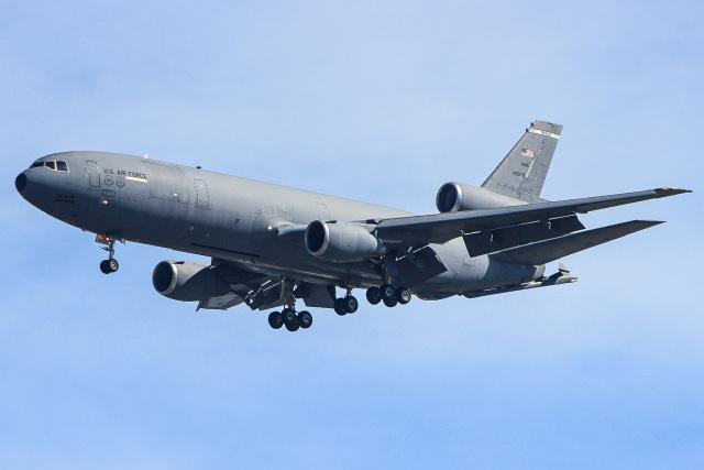 ZZさんが、嘉手納飛行場で撮影したアメリカ空軍 KC-10A Extender (DC-10-30CF)の航空フォト(飛行機 写真・画像)