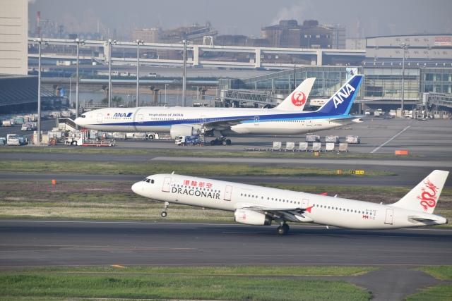 hachiさんが、羽田空港で撮影した香港ドラゴン航空 A321-231の航空フォト(飛行機 写真・画像)