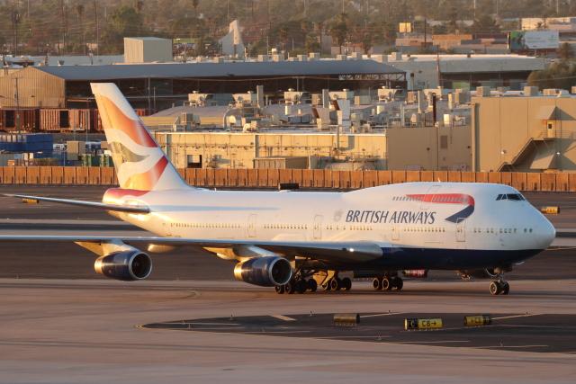 キャスバルさんが、フェニックス・スカイハーバー国際空港で撮影したブリティッシュ・エアウェイズ 747-436の航空フォト(飛行機 写真・画像)