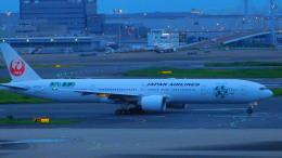 ねこかいぬさんが、羽田空港で撮影した日本航空 777-346/ERの航空フォト(飛行機 写真・画像)