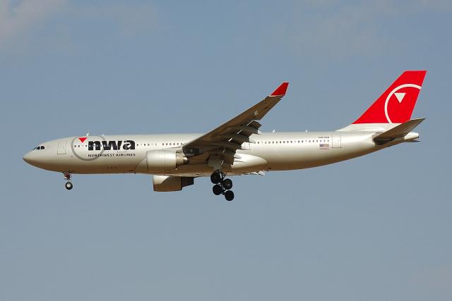 フリューゲルさんが、成田国際空港で撮影したノースウエスト航空 A330-223の航空フォト(飛行機 写真・画像)
