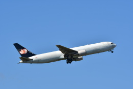 チョロ太さんが、成田国際空港で撮影したカーゴジェット・エアウェイズ 767-375/ERの航空フォト(飛行機 写真・画像)