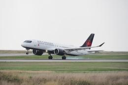thomasYVRさんが、バンクーバー国際空港で撮影したエア・カナダ A220-300 (BD-500-1A11)の航空フォト(飛行機 写真・画像)