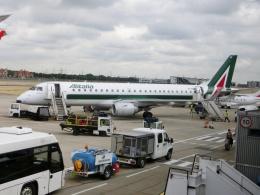 TA27さんが、ロンドン・シティ空港で撮影したアリタリア・シティライナー ERJ-190-100(ERJ-190STD)の航空フォト(飛行機 写真・画像)