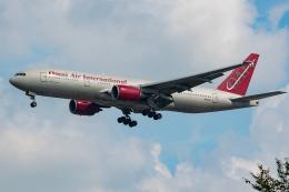 Tomo-Papaさんが、横田基地で撮影したオムニエアインターナショナル 777-2U8/ERの航空フォト(飛行機 写真・画像)