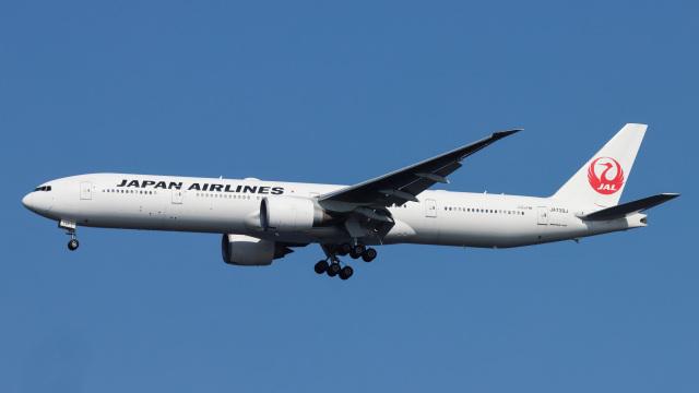 Bluewingさんが、羽田空港で撮影した日本航空 777-346/ERの航空フォト(飛行機 写真・画像)