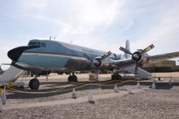 kinsanさんが、デビスモンサン空軍基地で撮影したアメリカ空軍 VC-118A Liftmaster (DC-6A)の航空フォト(飛行機 写真・画像)