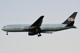 木人さんが、成田国際空港で撮影したカーゴジェット・エアウェイズ 767-375/ERの航空フォト(飛行機 写真・画像)