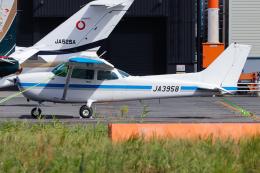 A.Tさんが、八尾空港で撮影した日本法人所有 172P Skyhawkの航空フォト(飛行機 写真・画像)