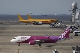 m_aereo_iさんが、中部国際空港で撮影したピーチ A320-214の航空フォト(飛行機 写真・画像)