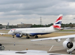 TA27さんが、ロンドン・シティ空港で撮影したBAシティフライヤー ERJ-190-100 SR (ERJ-190SR)の航空フォト(飛行機 写真・画像)