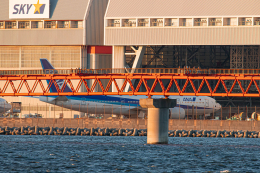 SGR RT 改さんが、羽田空港で撮影した全日空 777-281の航空フォト(飛行機 写真・画像)