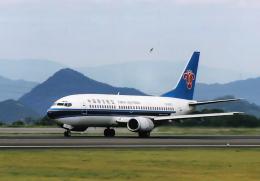 North1973さんが、高松空港で撮影した中国南方航空 737-31Bの航空フォト(飛行機 写真・画像)