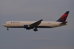 木人さんが、成田国際空港で撮影したデルタ航空 767-332/ERの航空フォト(飛行機 写真・画像)