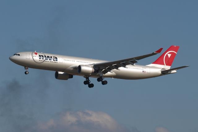 木人さんが、成田国際空港で撮影したノースウエスト航空 A330-323Xの航空フォト(飛行機 写真・画像)