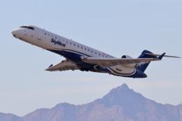キャスバルさんが、フェニックス・スカイハーバー国際空港で撮影したスカイウエスト CL-600-2C10(CRJ-700)の航空フォト(飛行機 写真・画像)