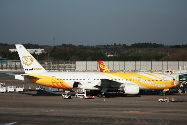 S.Hayashiさんが、成田国際空港で撮影したノックスクート 777-212/ERの航空フォト(飛行機 写真・画像)