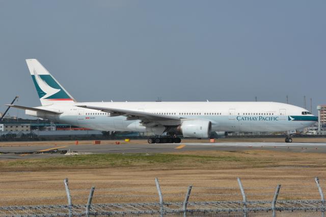 Deepさんが、福岡空港で撮影したキャセイパシフィック航空 777-267の航空フォト(飛行機 写真・画像)