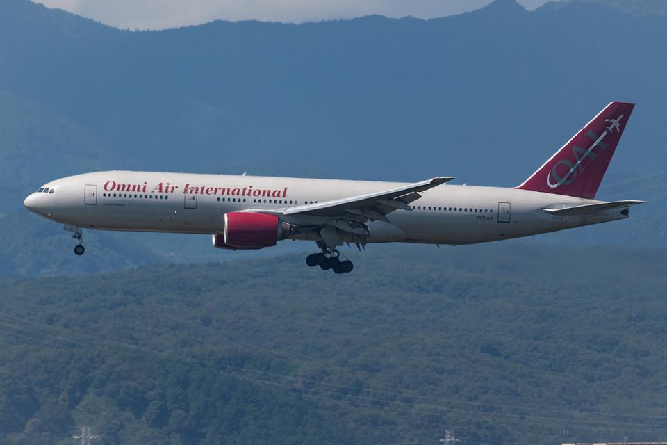 Tomo-Papaさんのオムニエアインターナショナル Boeing 777-200 (N819AX) 航空フォト