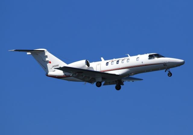 LOTUSさんが、神戸空港で撮影した国土交通省 航空局 525C Citation CJ4の航空フォト(飛行機 写真・画像)