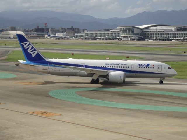 Blue779Aさんが、福岡空港で撮影した全日空 787-8 Dreamlinerの航空フォト(飛行機 写真・画像)