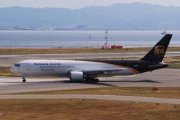 TOPAZ102さんが、関西国際空港で撮影したUPS航空 767-34AF/ERの航空フォト(飛行機 写真・画像)