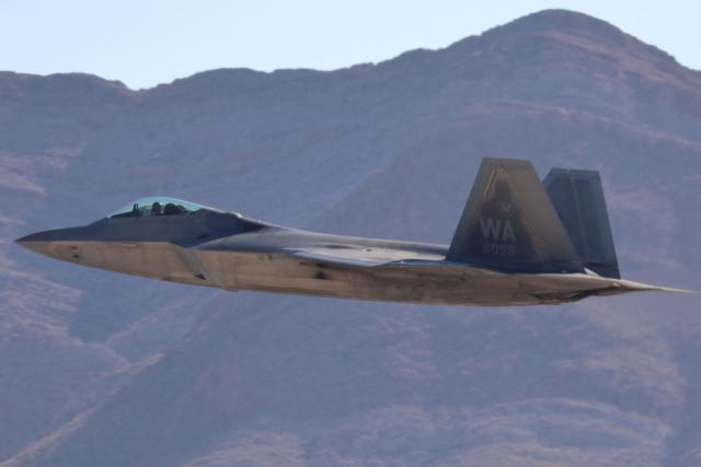 キャスバルさんが、ネリス空軍基地で撮影したアメリカ空軍 F-22A-30-LM Raptorの航空フォト(飛行機 写真・画像)