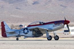 キャスバルさんが、ネリス空軍基地で撮影したMUSTANG HIGH FLIGHT P-51D Mustangの航空フォト(飛行機 写真・画像)