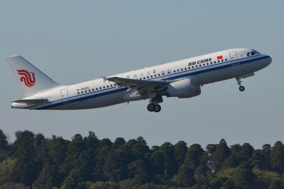 Deepさんの中国国際航空 Airbus A320 (B-9926) 航空フォト