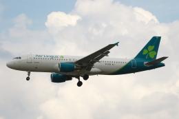 採れたてほしいもさんが、ロンドン・ヒースロー空港で撮影したエア・リンガス A320-214の航空フォト(飛行機 写真・画像)