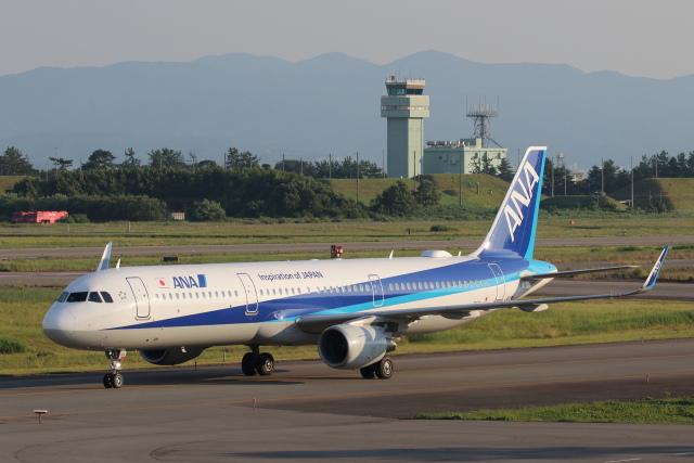 安芸あすかさんが、小松空港で撮影した全日空 A321-211の航空フォト(飛行機 写真・画像)