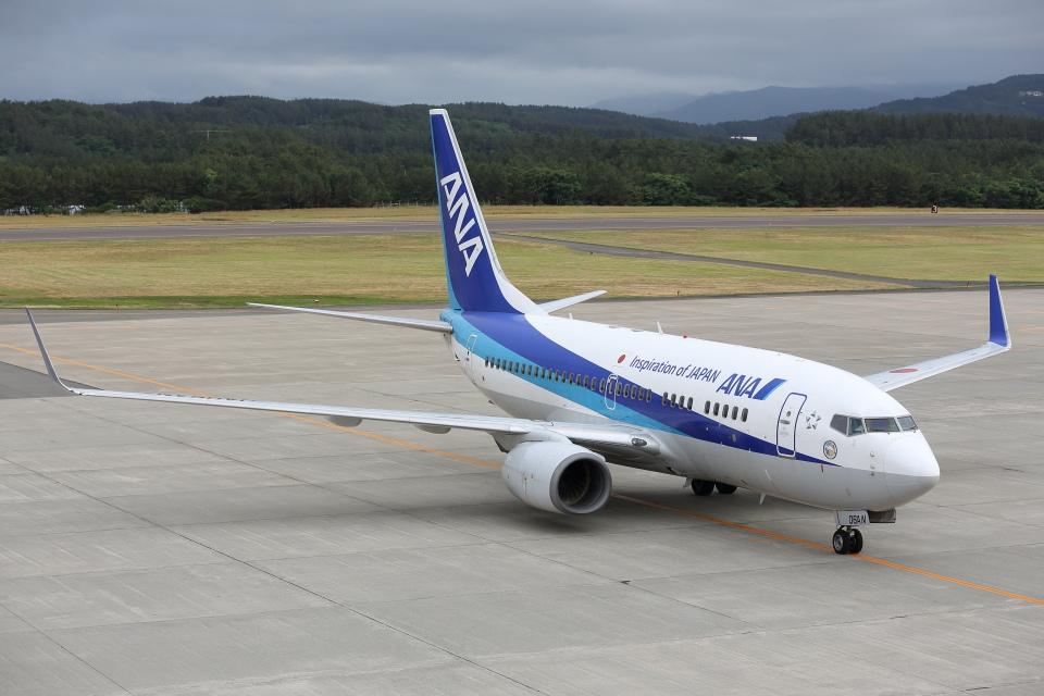 安芸あすかさんの全日空 Boeing 737-700 (JA06AN) 航空フォト
