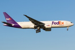 walker2000さんが、成田国際空港で撮影したフェデックス・エクスプレス 777-FHTの航空フォト(飛行機 写真・画像)