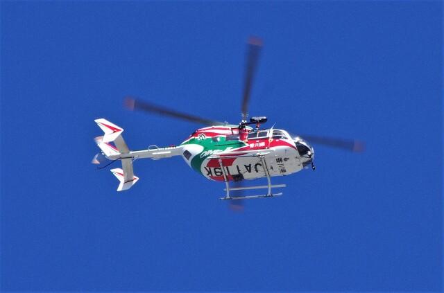 mild lifeさんが、神戸市東灘区深江浜で撮影した香川県防災航空隊 BK117C-2の航空フォト(飛行機 写真・画像)
