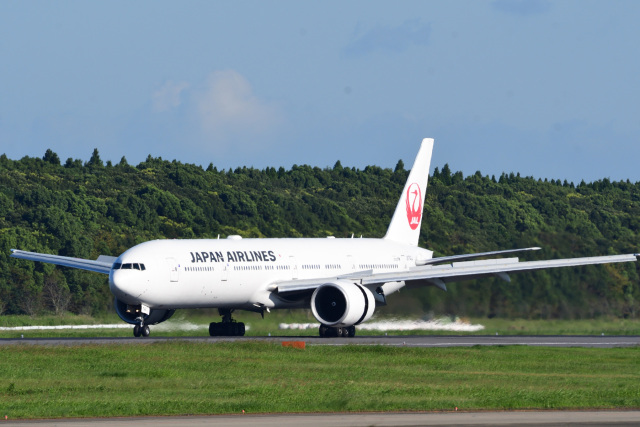 rangeroverさんが、成田国際空港で撮影した日本航空 777-346/ERの航空フォト(飛行機 写真・画像)