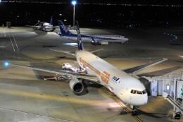 timeさんが、羽田空港で撮影した全日空 767-381/ERの航空フォト(飛行機 写真・画像)
