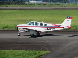 ランチパッドさんが、静岡空港で撮影したシークエンス航空 A36 Bonanza 36の航空フォト(飛行機 写真・画像)