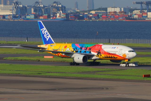 ぼのさんが、羽田空港で撮影した全日空 777-281/ERの航空フォト(飛行機 写真・画像)