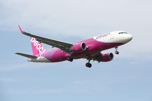 安芸あすかさんが、福岡空港で撮影したピーチ A320-214の航空フォト(飛行機 写真・画像)
