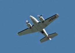 ビッグジョンソンさんが、熊本空港で撮影した崇城大学 G58 Baronの航空フォト(飛行機 写真・画像)