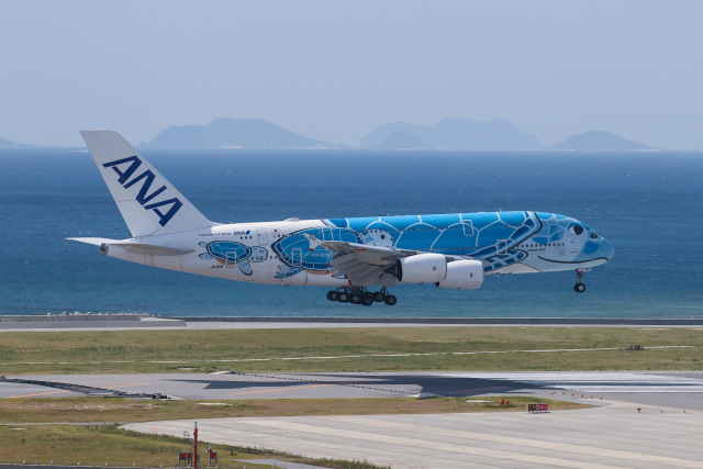 JA1118Dさんが、那覇空港で撮影した全日空 A380-841の航空フォト(飛行機 写真・画像)