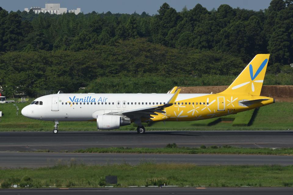 sepia2016さんのバニラエア Airbus A320 (JA10VA) 航空フォト