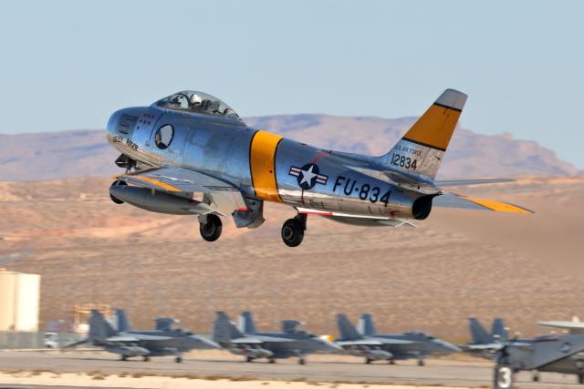 キャスバルさんが、ネリス空軍基地で撮影したプレーンズ・オブ・フェイム F-86F-30の航空フォト(飛行機 写真・画像)