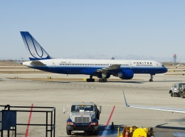 TA27さんが、オヘア国際空港で撮影したユナイテッド航空 757-222の航空フォト(飛行機 写真・画像)