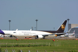 banshee02さんが、成田国際空港で撮影したUPS航空 767-34AF/ERの航空フォト(飛行機 写真・画像)