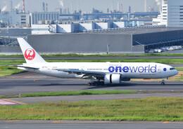 じーく。さんが、羽田空港で撮影した日本航空 777-246の航空フォト(飛行機 写真・画像)